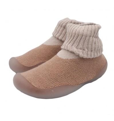 Medias con suela para bebé - Camel