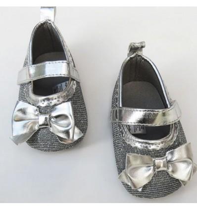 zapato gris escarchado