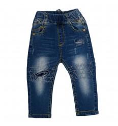 Pantalón jean azul con diseño