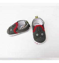 zapato gris niño