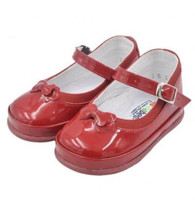 Zapato no tuerce- charol rojo